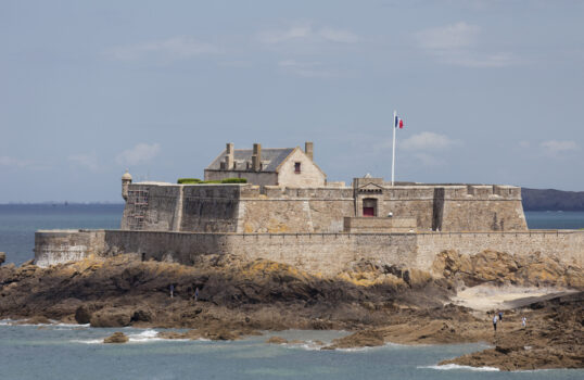 Fort on tidal island Petit Be in Saint-Malo